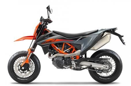 2021 -  - 690 SMC R - $11,999