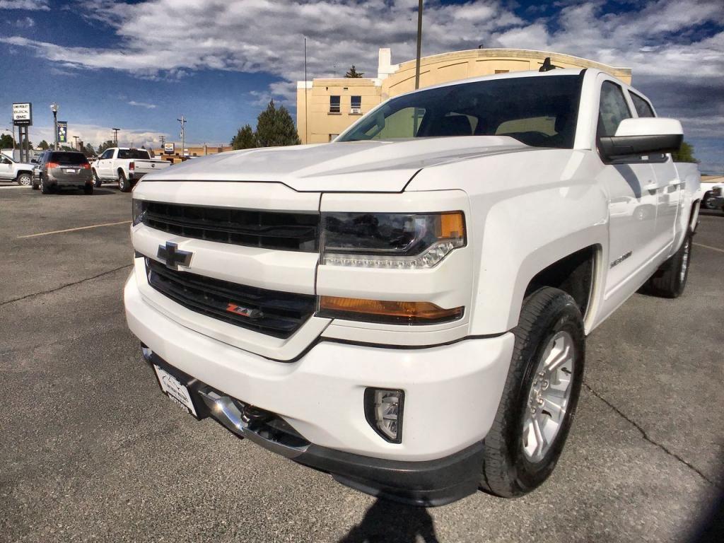 2017 - Chevrolet - Silverado - $40,895