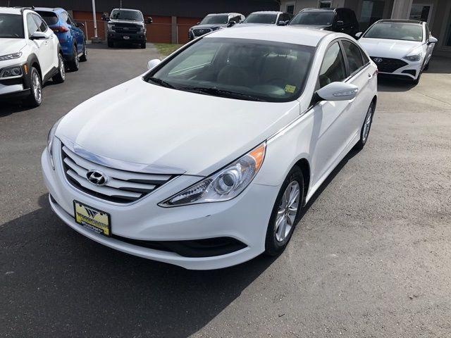 2014 - Hyundai - Sonata - $10,450