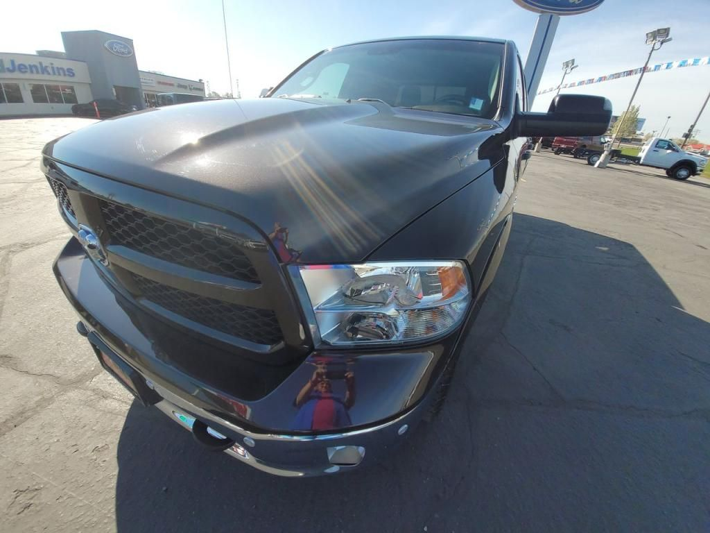 dealerslink_s3_amazonaws_com-vehicles-1206-163757T-60abfb150a4e6_jpg