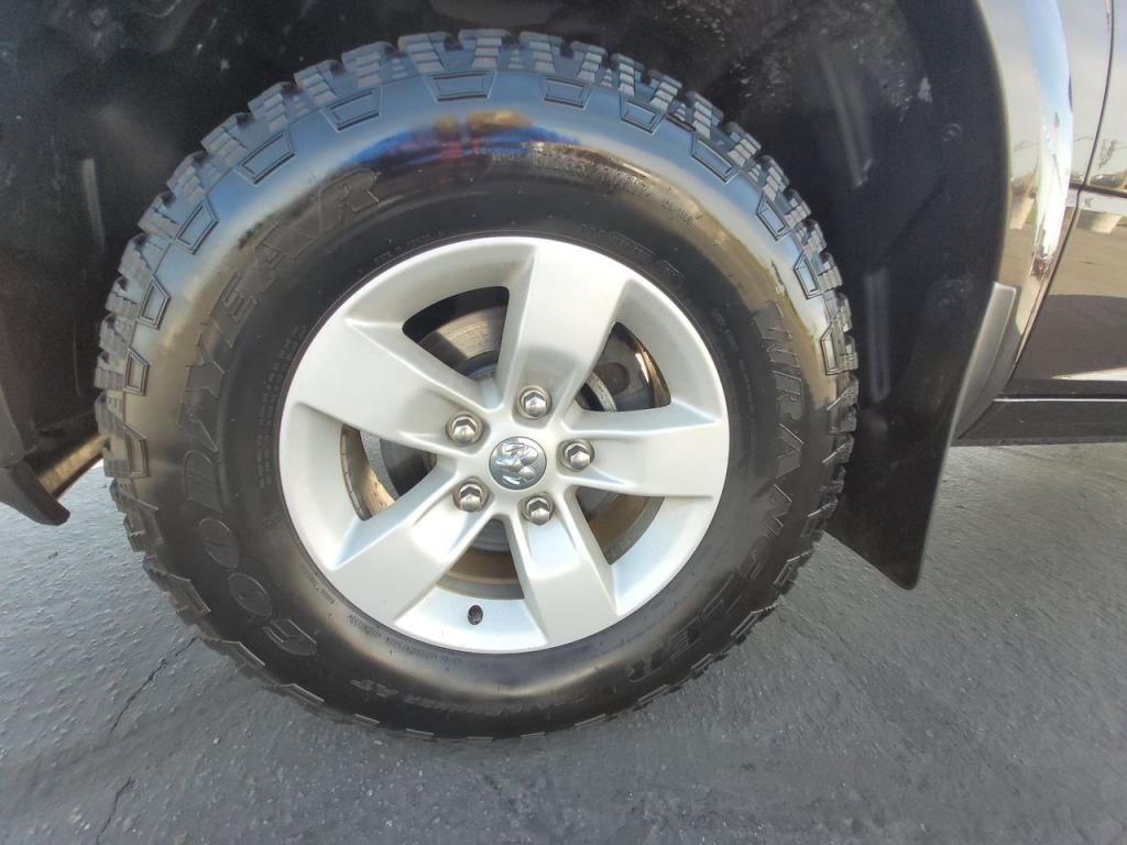 dealerslink_s3_amazonaws_com-vehicles-1206-163757T-60abfb17aff8e_jpg