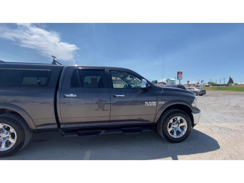 dealerslink_s3_amazonaws_com-vehicles-1206-170028T-60c00501870ca_jpg