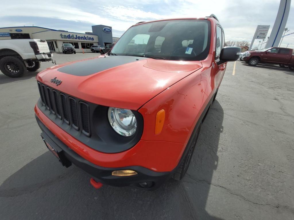 dealerslink_s3_amazonaws_com-vehicles-1206-171730T-606b57b55e1c2_jpg