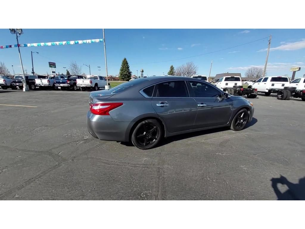 dealerslink_s3_amazonaws_com-vehicles-1206-174064T-608309c13aee7_jpg