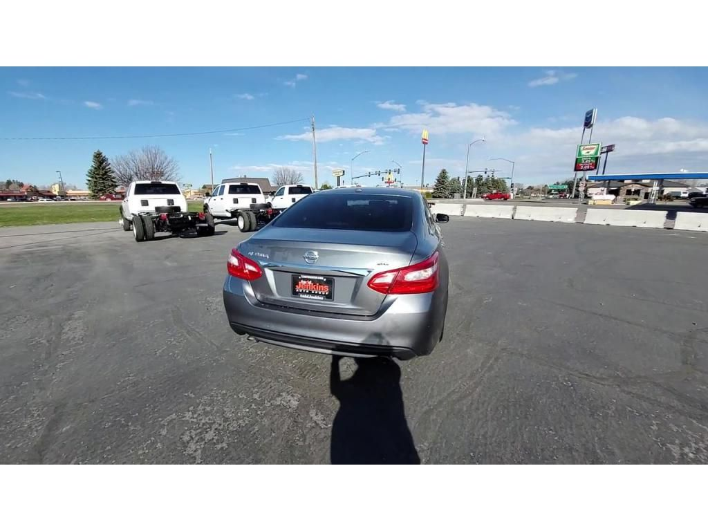 dealerslink_s3_amazonaws_com-vehicles-1206-174064T-608309c185511_jpg