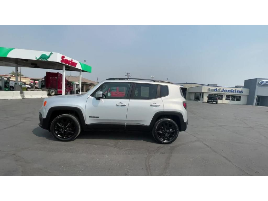 dealerslink_s3_amazonaws_com-vehicles-1206-181765T-6137fe0df1529_jpg