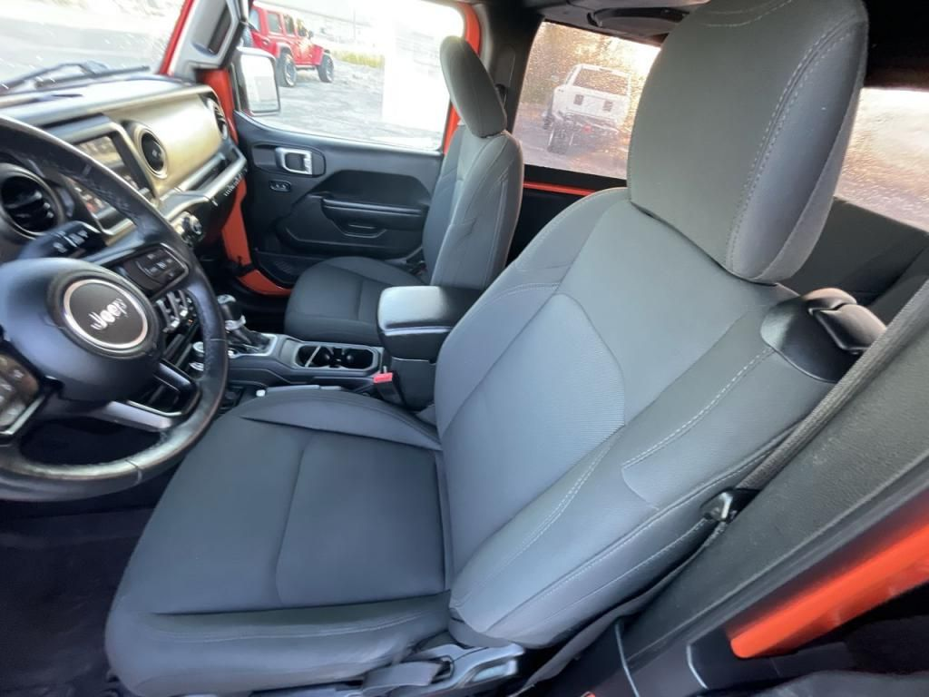 dealerslink_s3_amazonaws_com-vehicles-1206-182820T-6169c31e30756_jpg