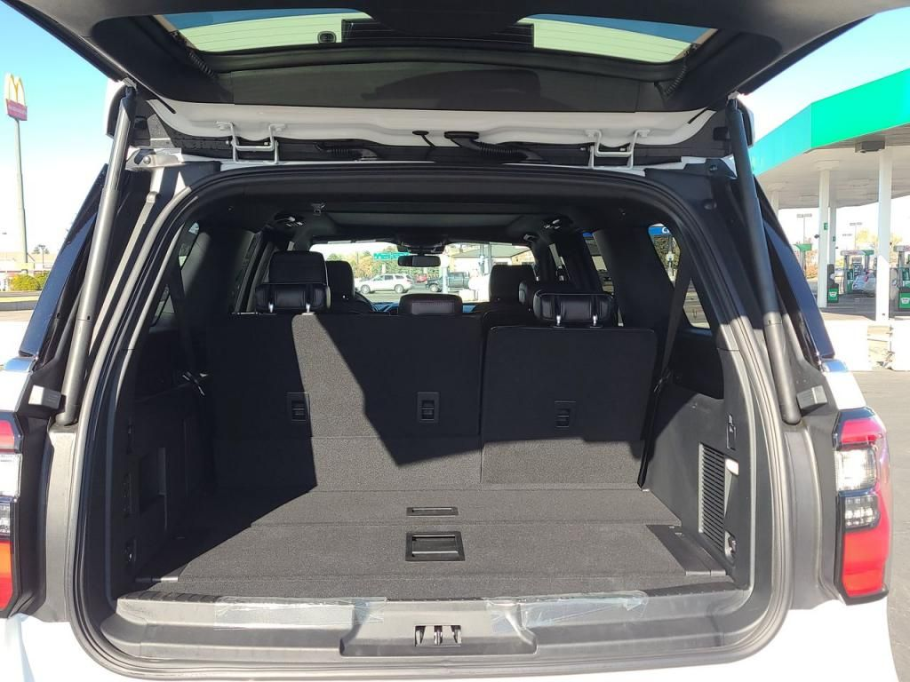 dealerslink_s3_amazonaws_com-vehicles-1206-204390N-5fa1b126457cd_jpg