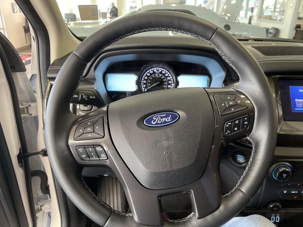 dealerslink_s3_amazonaws_com-vehicles-1206-208828N-5fb3110f9814f_jpg