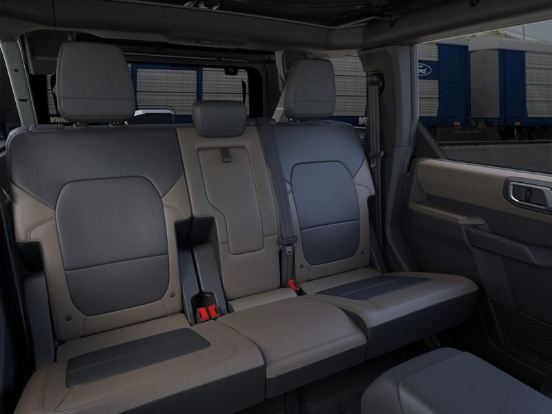 dealerslink_s3_amazonaws_com-vehicles-1206-216235N-614ef9ea04cb3_jpg