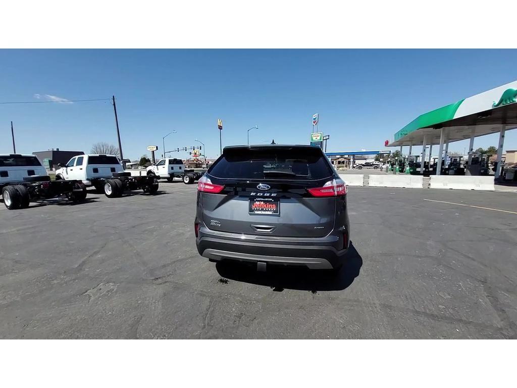 dealerslink_s3_amazonaws_com-vehicles-1206-217461N-C9F5D2690BCC111E721A109A16F814F9_jpg