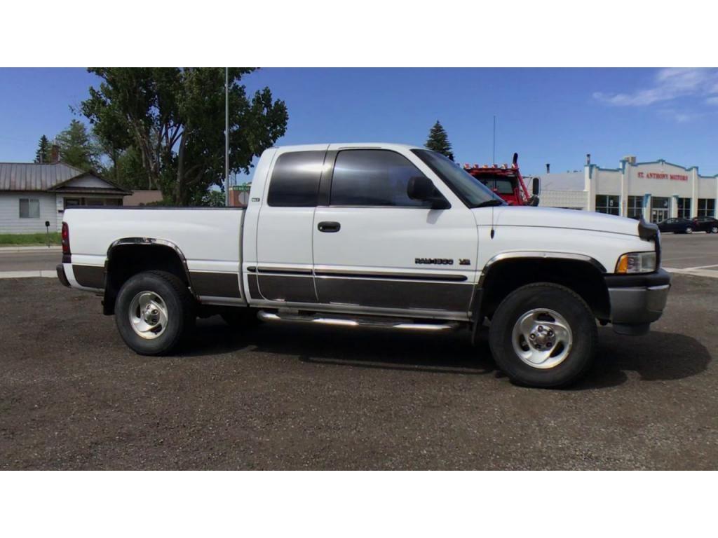dealerslink_s3_amazonaws_com-vehicles-1354-019616P-60cc3a4a725cc_jpg