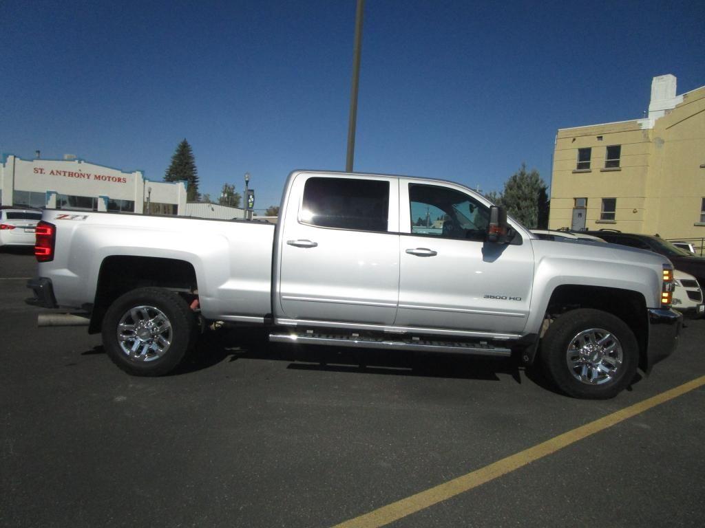 dealerslink_s3_amazonaws_com-vehicles-1354-168092T-E43FFFD3CA3CBFC90F22E157E349A926_jpg
