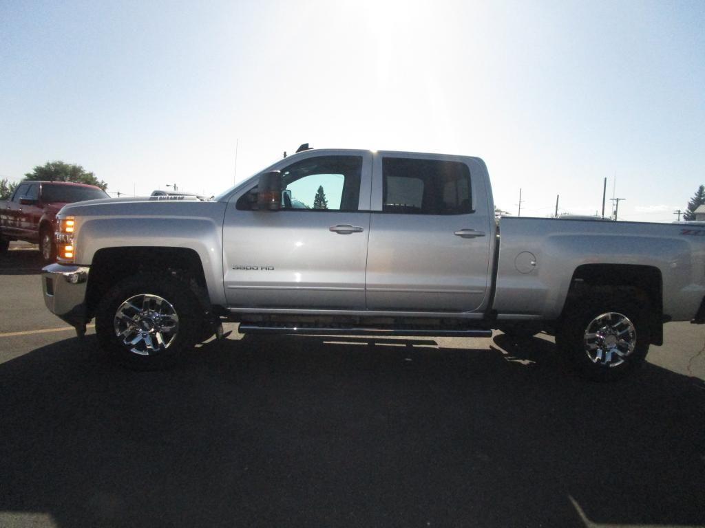 dealerslink_s3_amazonaws_com-vehicles-1354-168092T-E4404913B96A4A9B6ED1FA1EFD9336B8_jpg