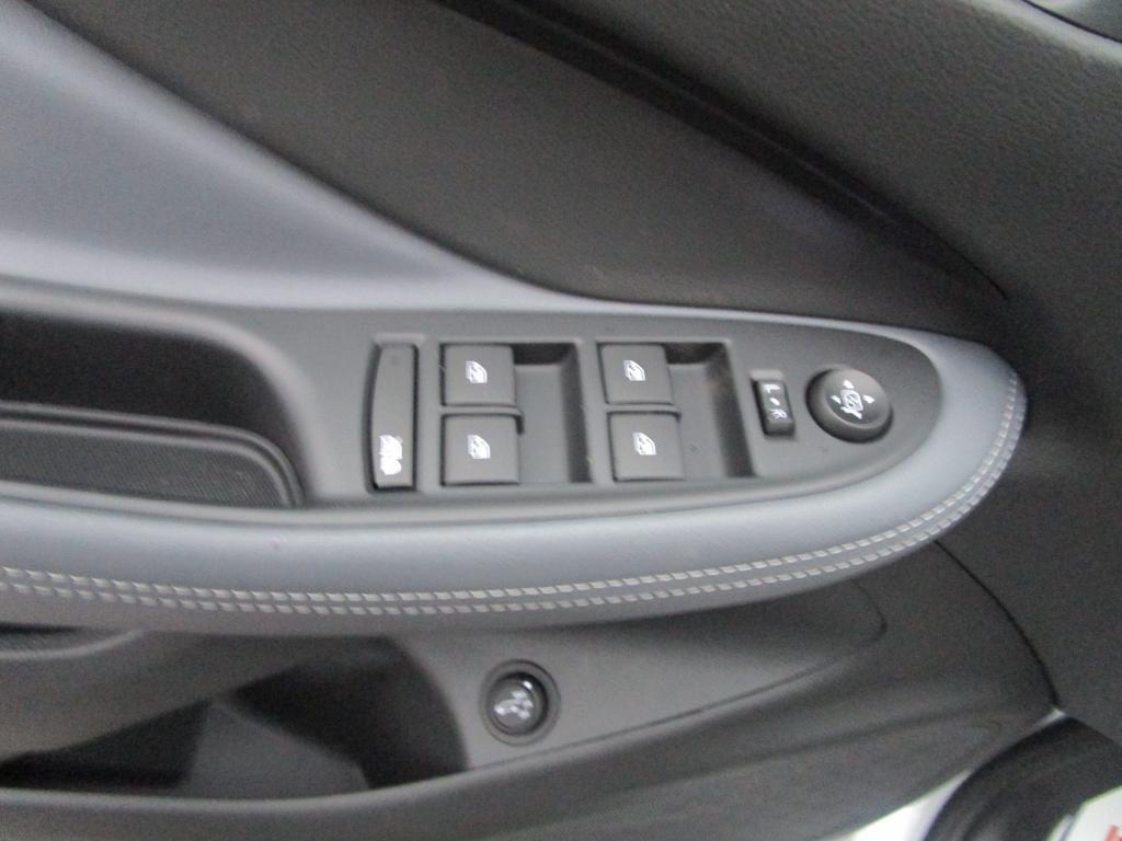 dealerslink_s3_amazonaws_com-vehicles-1354-B206202N-23C8E9EEA371B11551194F806AD38E23_jpg