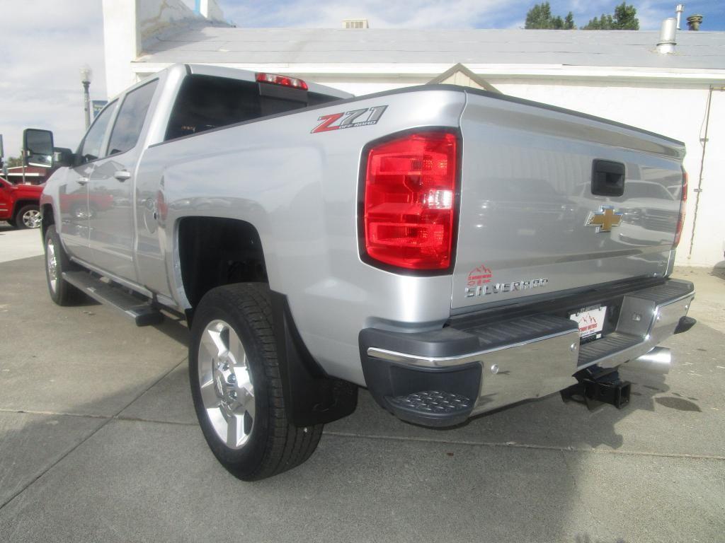 dealerslink_s3_amazonaws_com-vehicles-1354-C198208N-B2FA979AB2D819FD31C52023685DDE8C_jpg