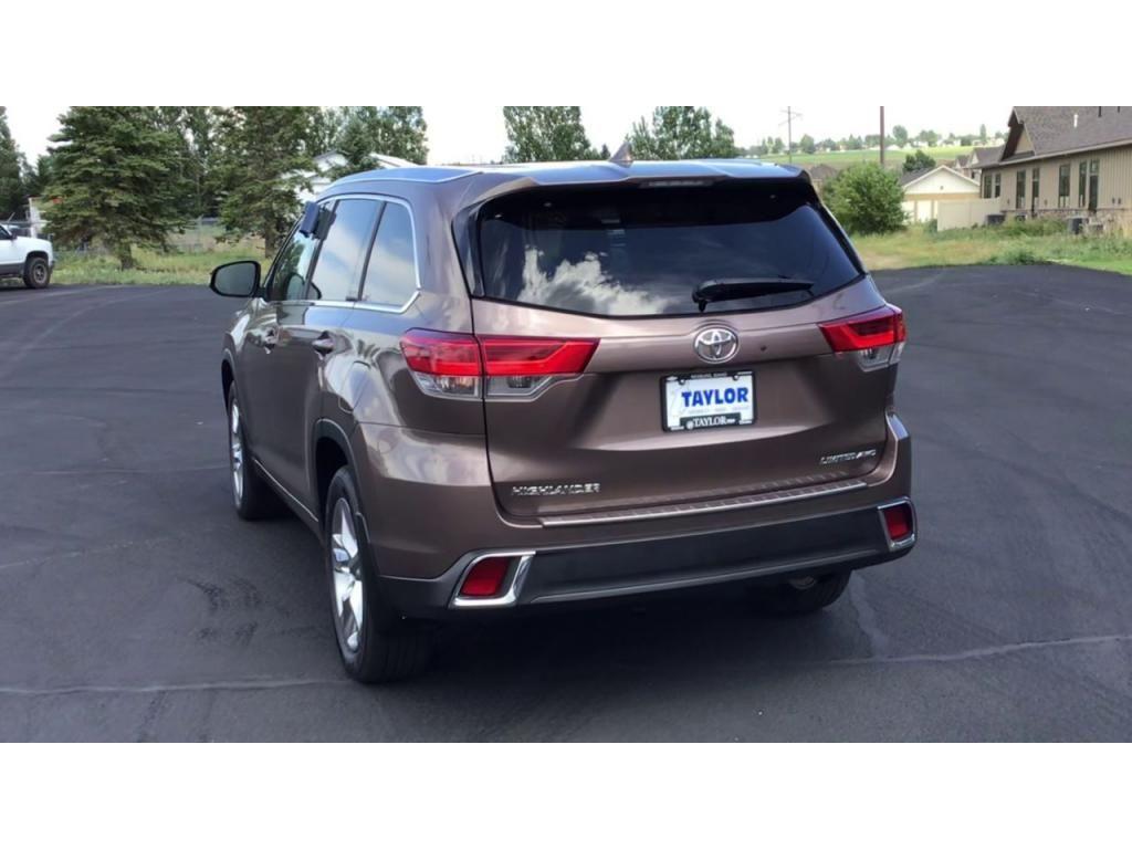 dealerslink_s3_amazonaws_com-vehicles-1355-180091T-61082ef14adc3_jpg