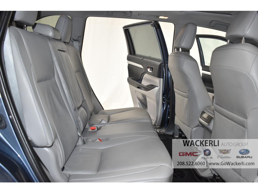 dealerslink_s3_amazonaws_com-vehicles-1841-1G218352A-1F274D7ABB7EFA17E4E628094C3E1C28_jpg