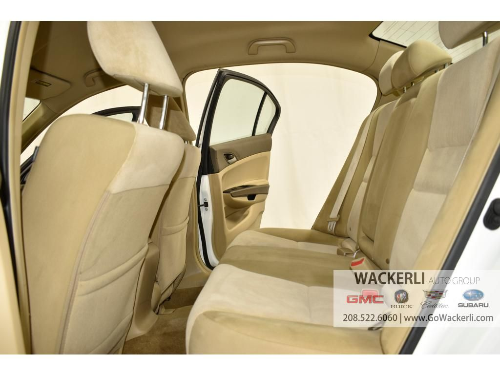 dealerslink_s3_amazonaws_com-vehicles-1841-1P200396A-08007F08EFE49021E3F6790D0259B0B8_jpg