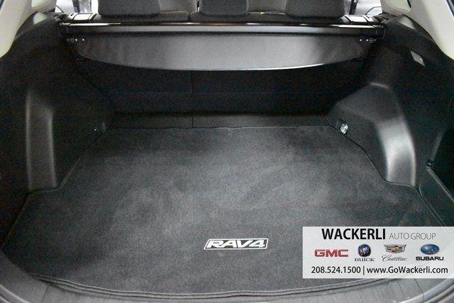 vehicle-photos-published_vauto_com-0b-2f-f1-40-3a0c-45ec-ade8-96d9087f4c79-image-9_jpg
