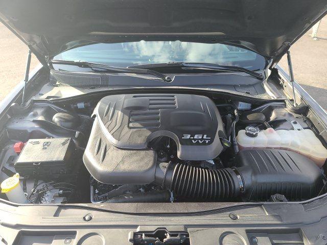 vehicle-photos-published_vauto_com-32-23-a8-75-adff-46de-bbae-5e73e9e2f6dd-image-10_jpg