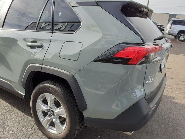 vehicle-photos-published_vauto_com-34-11-ec-1d-8136-45d0-a8a9-7aaff1f59bc3-image-8_jpg