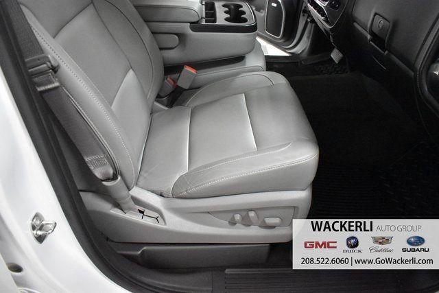 vehicle-photos-published_vauto_com-6a-4b-ad-97-b5f9-4e49-b425-35c8e05cd57e-image-10_jpg