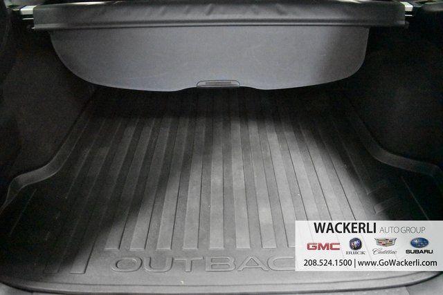 vehicle-photos-published_vauto_com-86-42-15-6c-e9a6-4b5c-b63f-cbe62f8664a8-image-9_jpg