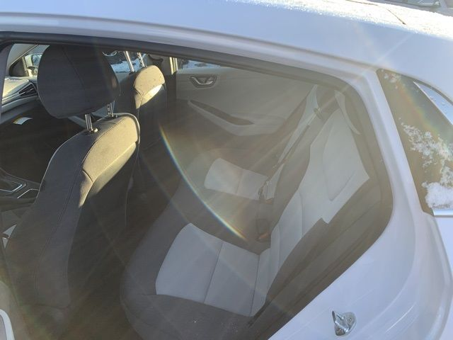 vehicle-photos-published_vauto_com-b7-b9-81-1b-eb69-44fb-9ea1-f1b50ae3bd79-image-7_jpg
