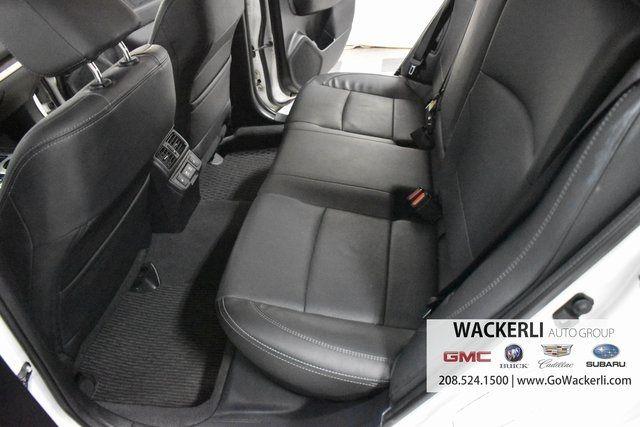 vehicle-photos-published_vauto_com-e4-80-24-d3-5408-4514-8228-6b39b60bb053-image-8_jpg