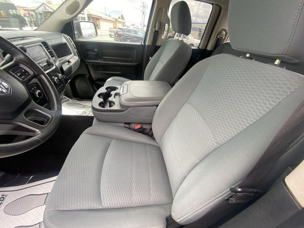 dealerslink_s3_amazonaws_com-vehicles-1206-146027T-60c2ad25c25a4_jpg