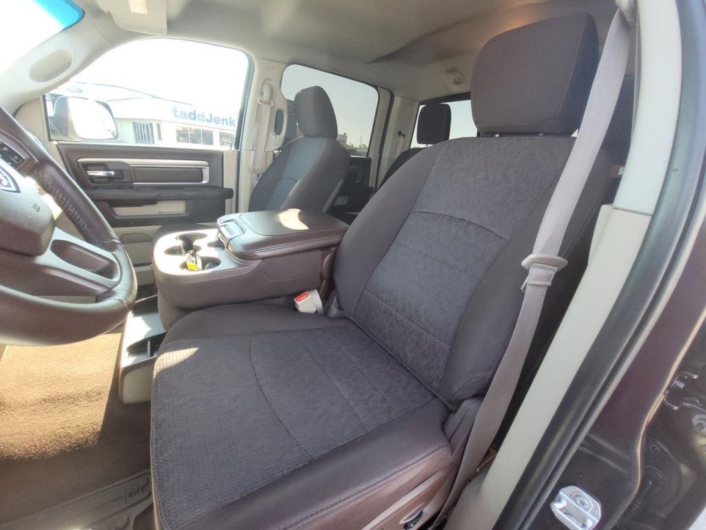 dealerslink_s3_amazonaws_com-vehicles-1206-163757T-60abfb1812f1a_jpg