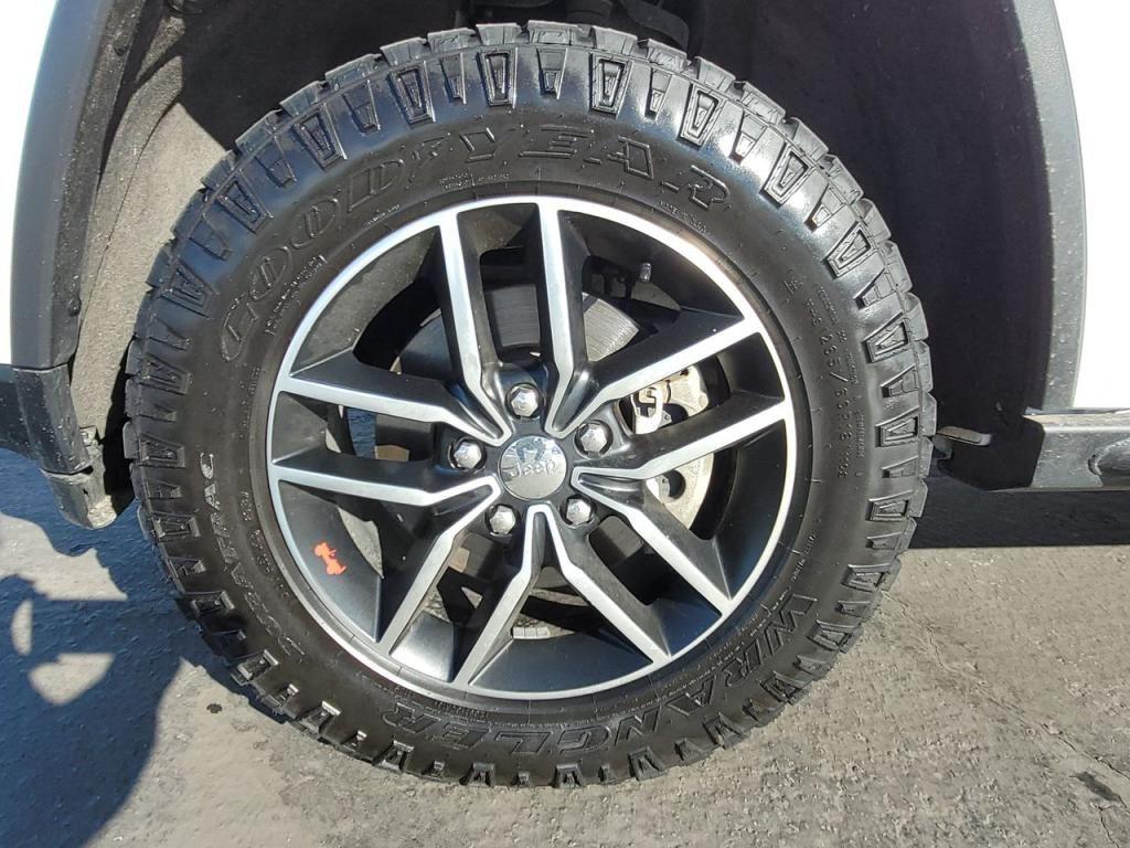 dealerslink_s3_amazonaws_com-vehicles-1206-172109T-601dda25724f6_jpg