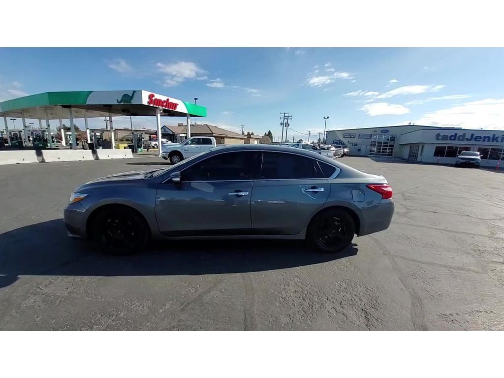 dealerslink_s3_amazonaws_com-vehicles-1206-174064T-608309c22ce8e_jpg