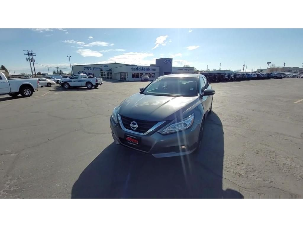 dealerslink_s3_amazonaws_com-vehicles-1206-174064T-608309c2b50f4_jpg
