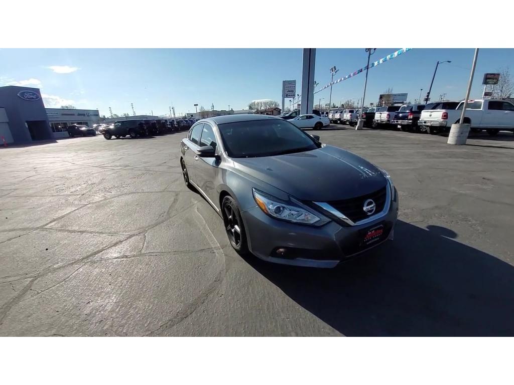 dealerslink_s3_amazonaws_com-vehicles-1206-174064T-608309c31ad4c_jpg