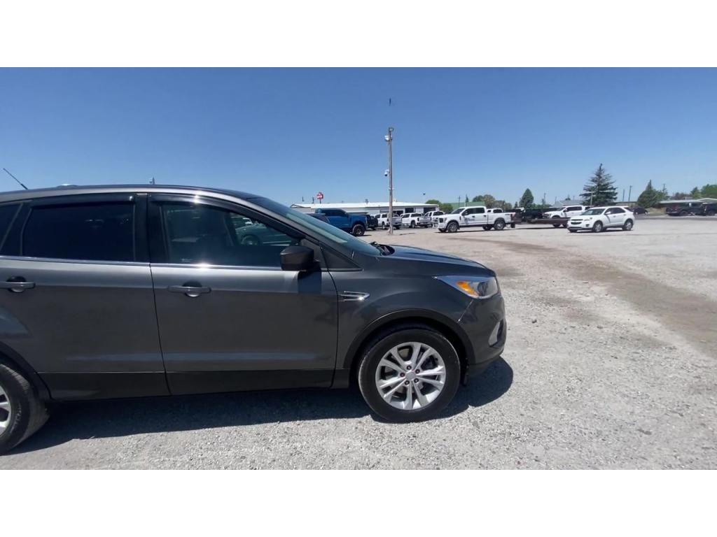 dealerslink_s3_amazonaws_com-vehicles-1206-175942T-60c003f010f56_jpg