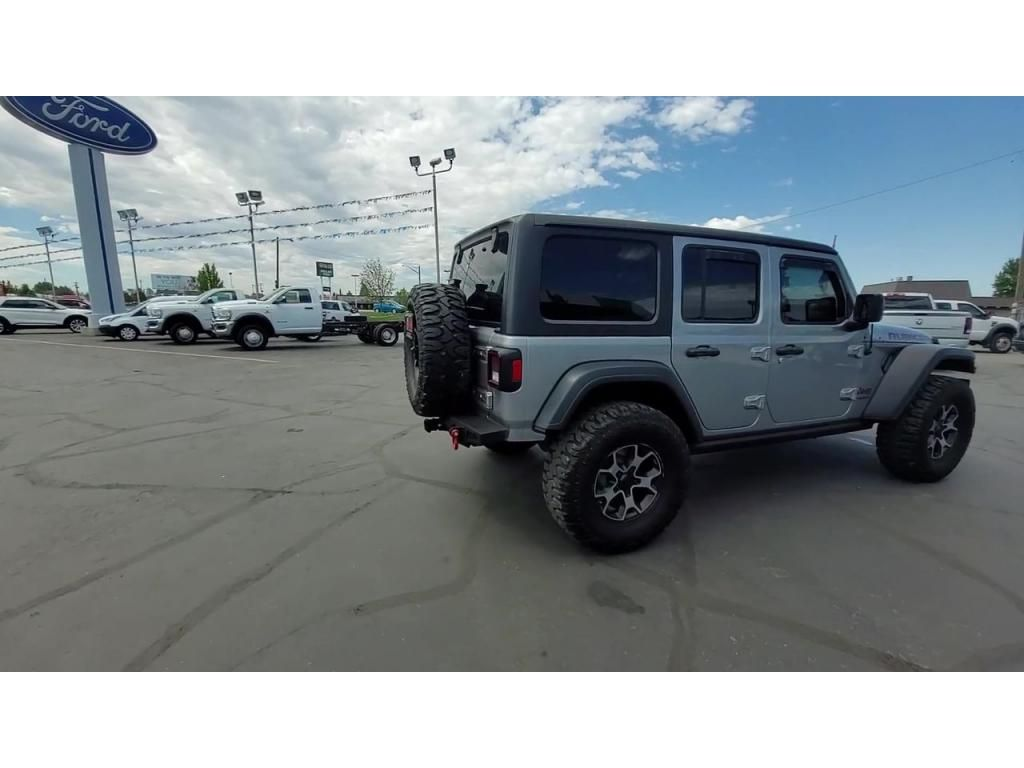dealerslink_s3_amazonaws_com-vehicles-1206-181434T-60ba74fdbc652_jpg