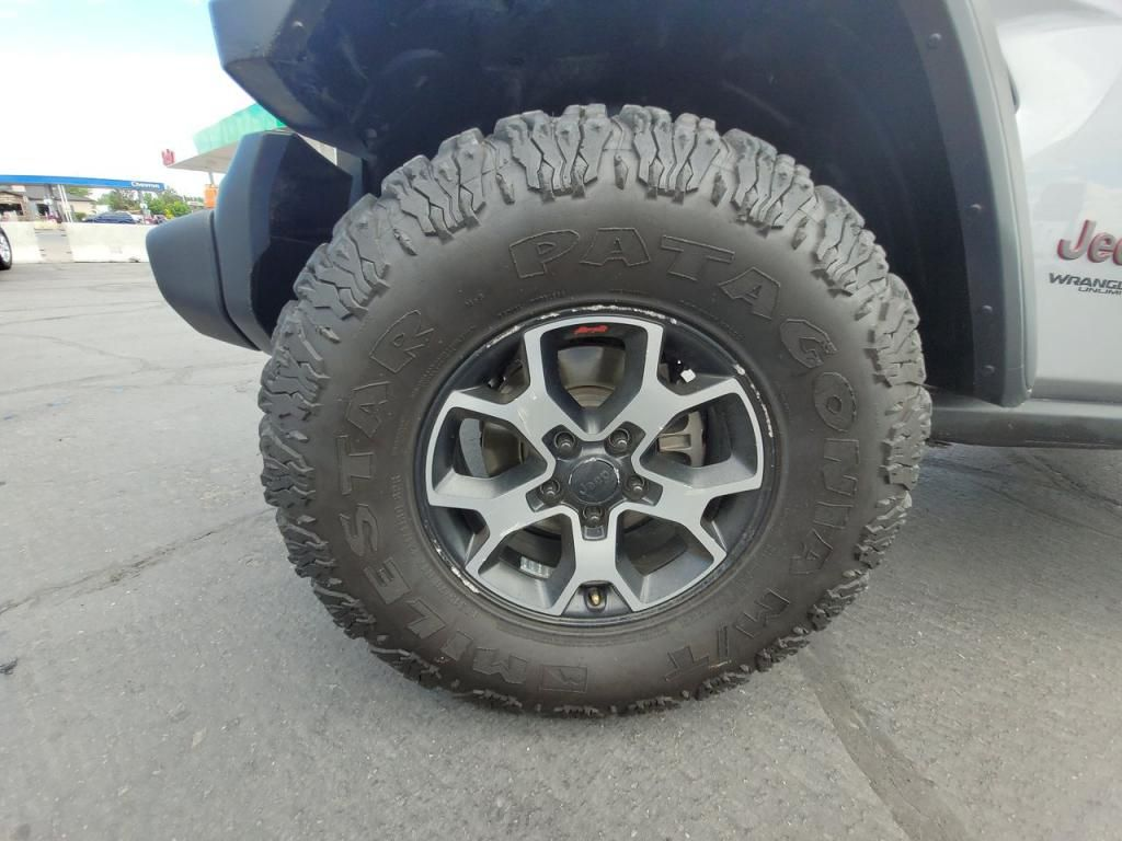 dealerslink_s3_amazonaws_com-vehicles-1206-181434T-60ba75004b8c6_jpg