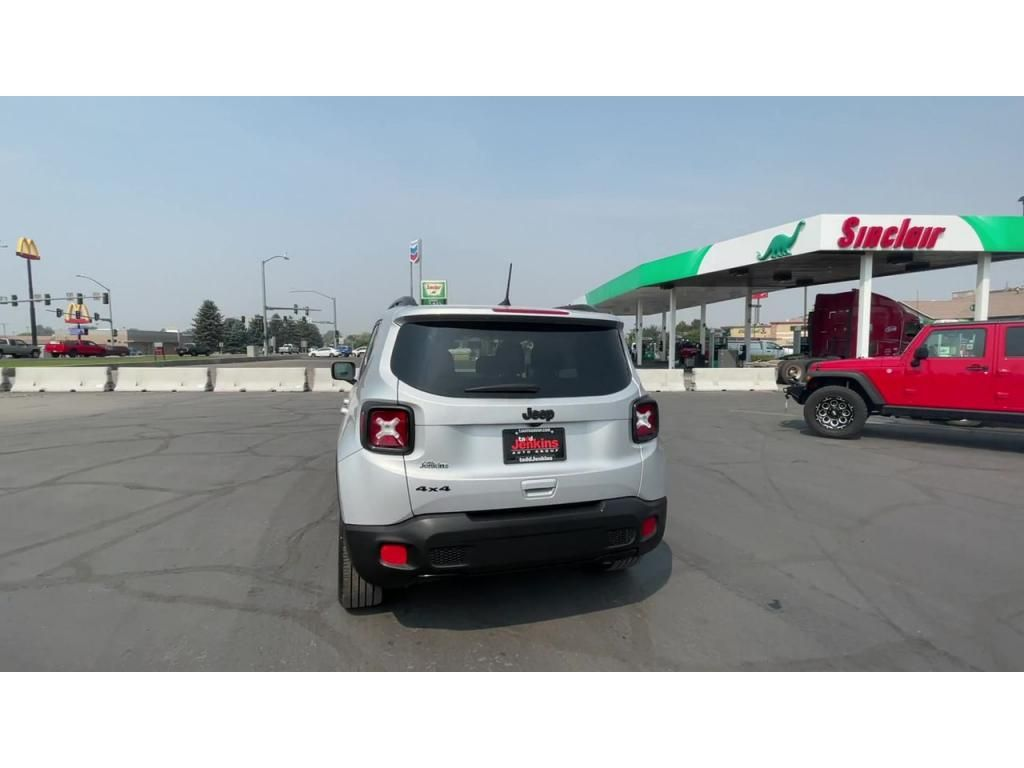 dealerslink_s3_amazonaws_com-vehicles-1206-181765T-6137fe0e96f35_jpg