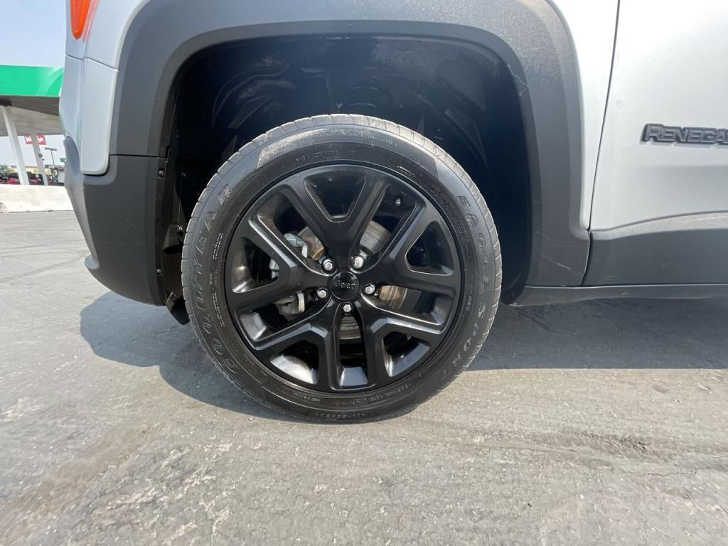 dealerslink_s3_amazonaws_com-vehicles-1206-181765T-6137fe0f4b204_jpg