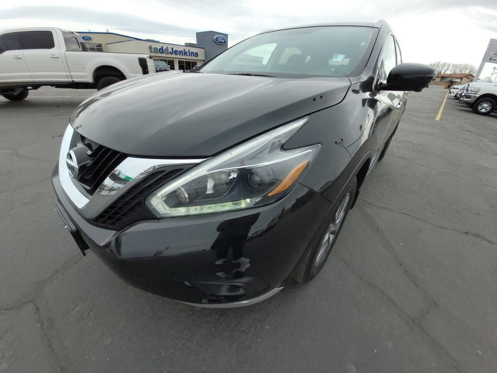 dealerslink_s3_amazonaws_com-vehicles-1206-182249T-606b57a7f1c19_jpg