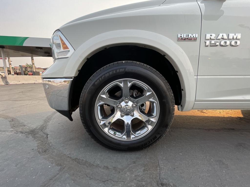 dealerslink_s3_amazonaws_com-vehicles-1206-183872T-612fcb0068438_jpg