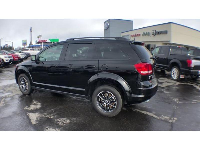 dealerslink_s3_amazonaws_com-vehicles-1206-185844T-6092f1c2df15f_jpg