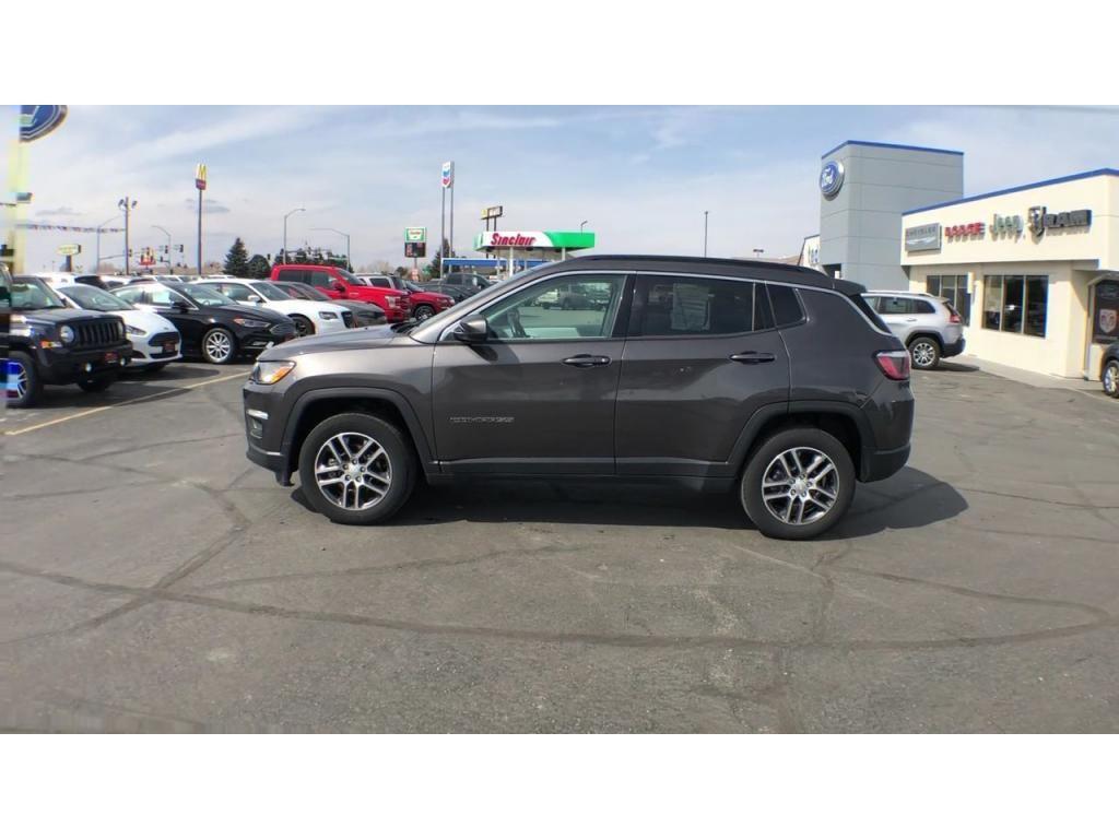 dealerslink_s3_amazonaws_com-vehicles-1206-186388C-6164d8e792237_jpg