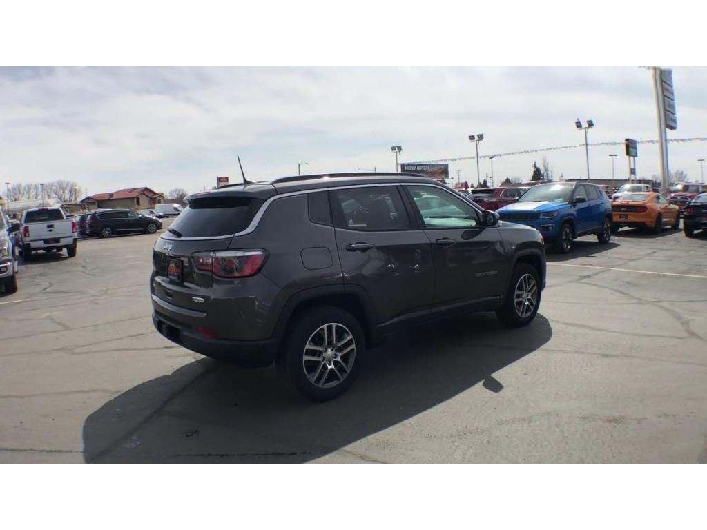 dealerslink_s3_amazonaws_com-vehicles-1206-186388C-6164d8e85d064_jpg