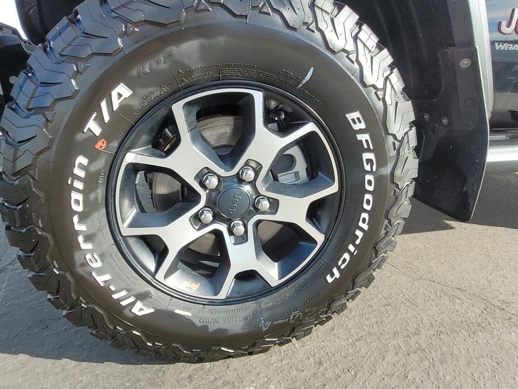 dealerslink_s3_amazonaws_com-vehicles-1206-204844T-543460F8B91A7ADB4E204050A60A00AC_jpg