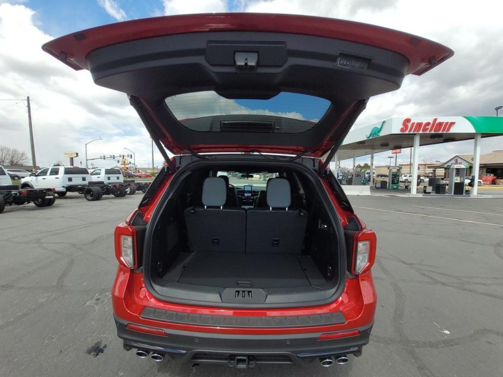 dealerslink_s3_amazonaws_com-vehicles-1206-212202N-608352926461f_jpg