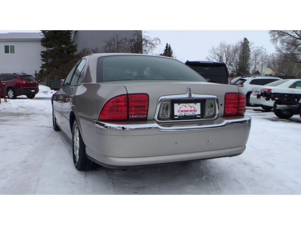 dealerslink_s3_amazonaws_com-vehicles-1354-004294D-6014cf2e0c49b_jpg