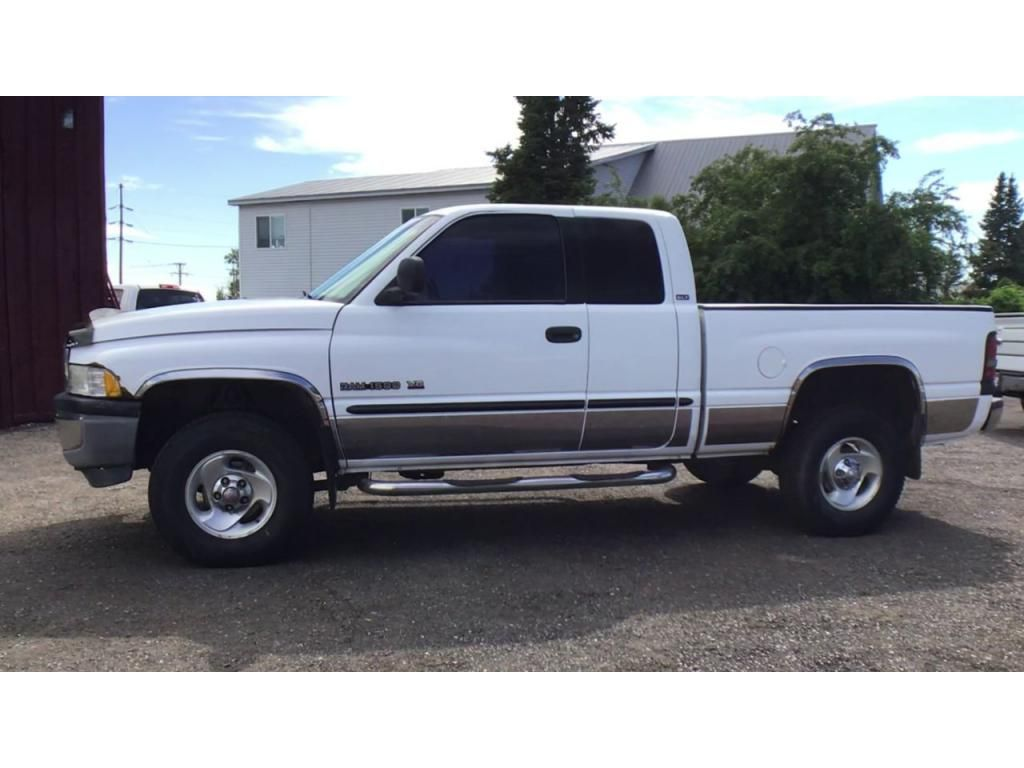 dealerslink_s3_amazonaws_com-vehicles-1354-019616P-60cc3a48e704a_jpg